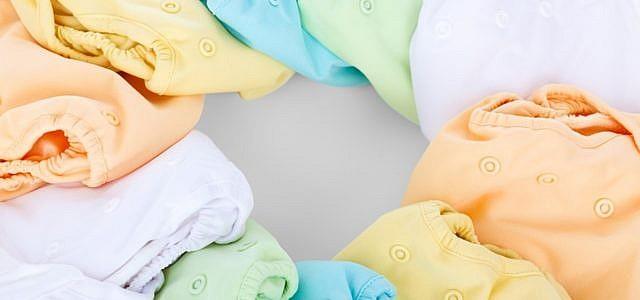 Stoffwindeln gibt es in vielen verschiedenen Größen und Farben.