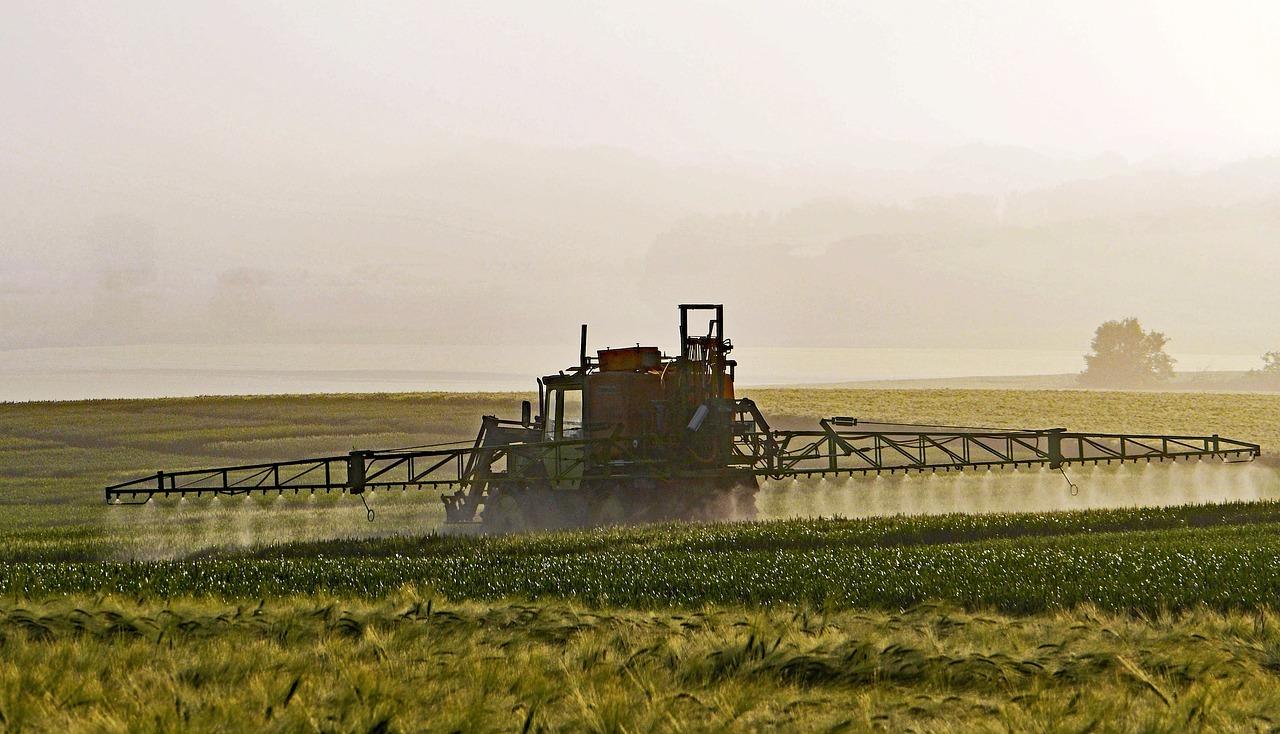 Glyphosat von Monsanto auf den Feldern der Welt.