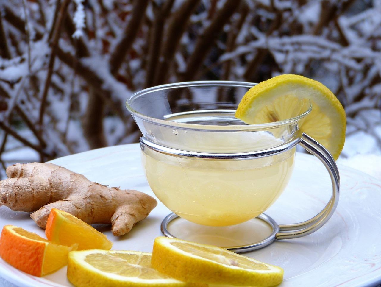 Ingwertee hilft bei Erkältung.