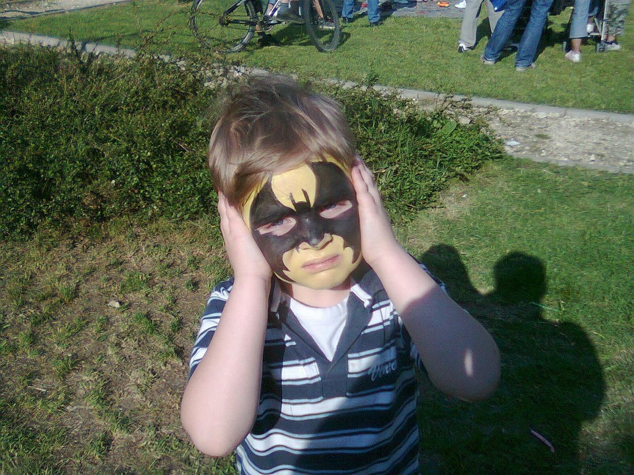 Kinderschminke ist meist mit Schadstoffen belastet.