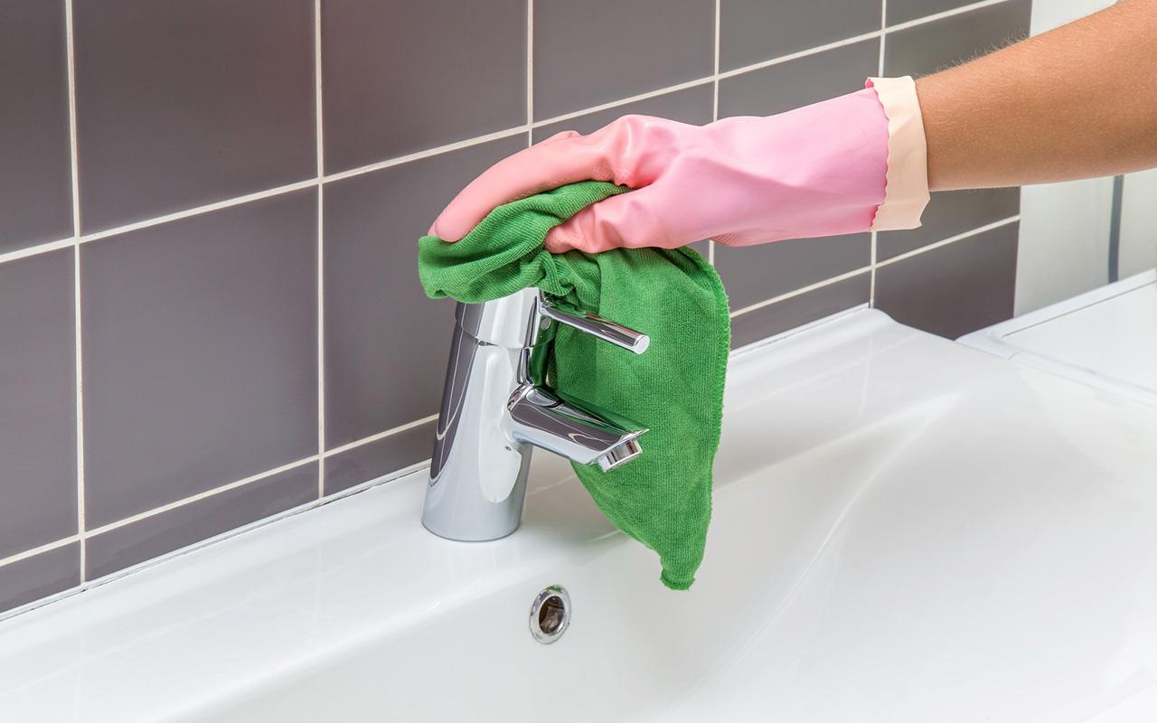 verstecktes Mikroplastik: Spültücher, Putztücher
