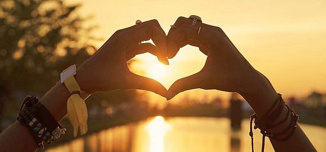 Valentinstag 2018: 8 Tipps, die nachhaltig Herzen erobern | Utopia.de