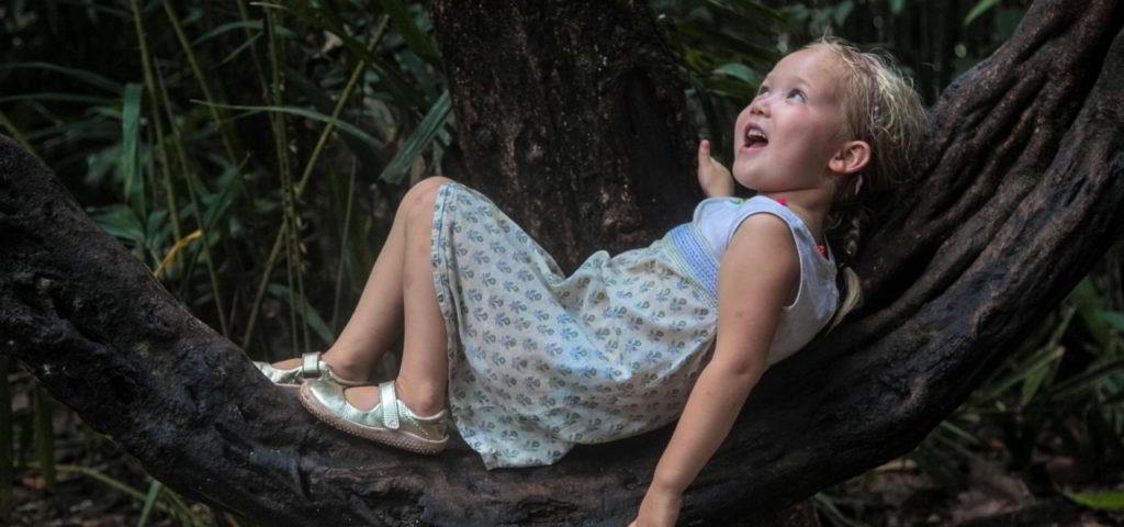 Bei Vivobarefoot gibt es unterschiedliche Barfußschuhe für Kinder.
