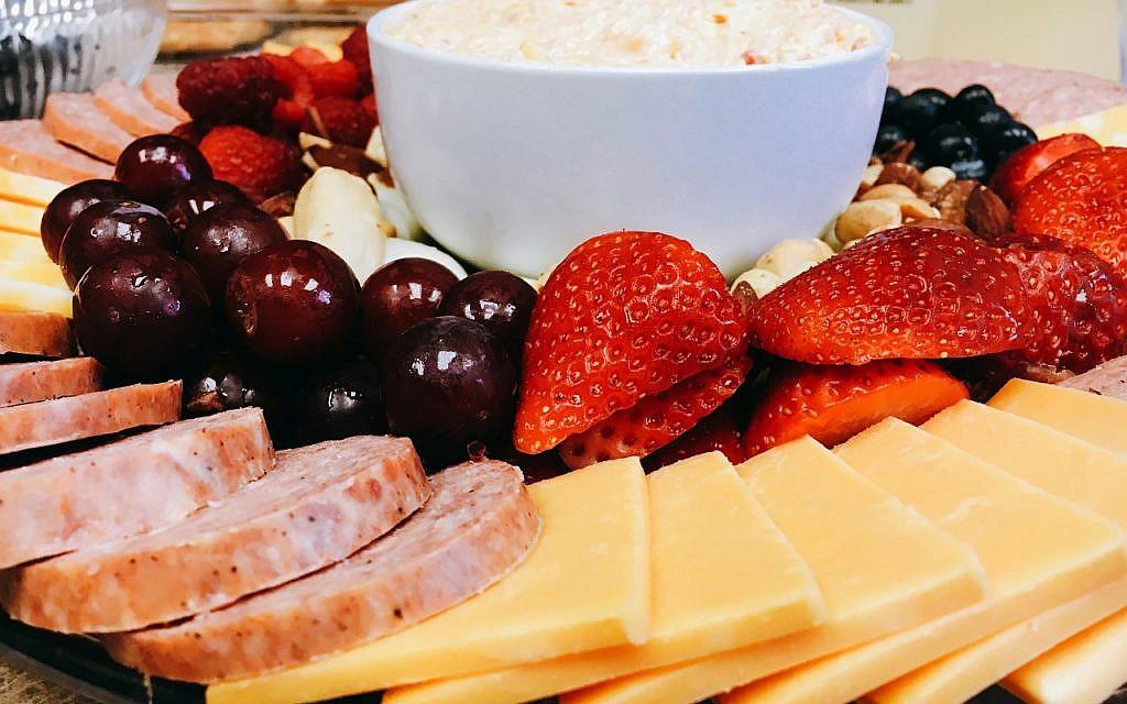 Catering Lebensmittelabfälle Wurst Käse Platte