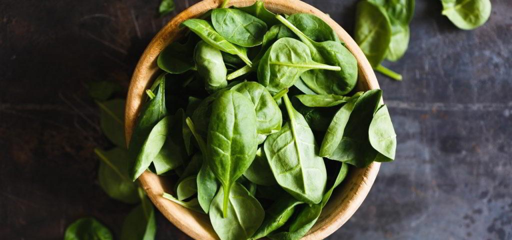 Spinat enthält viele wichtige Vitamine und Mineralstoffe.