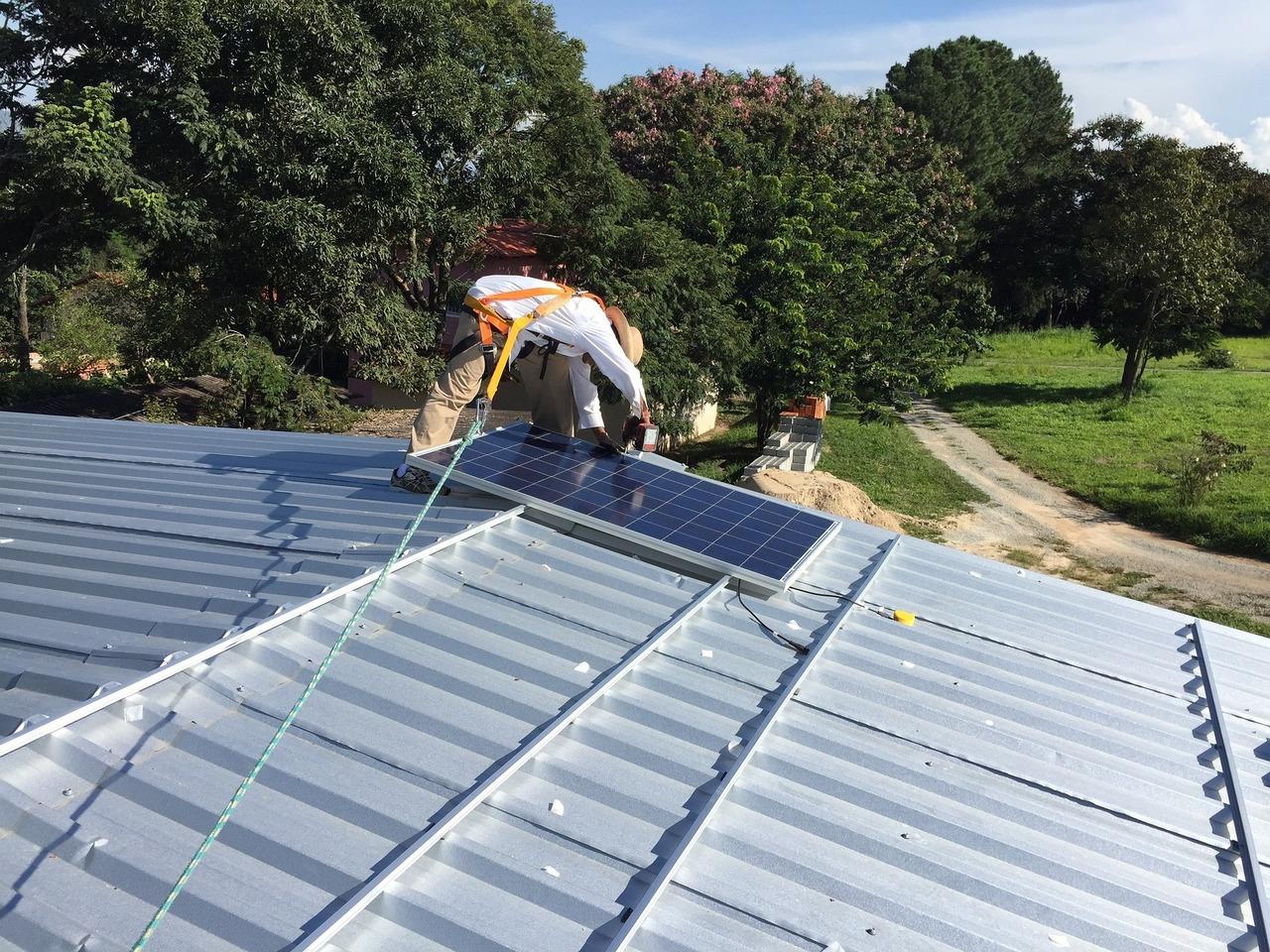 Je mehr Photovoltaikanlagen installiert werden, desto weiter sinken die Kosten