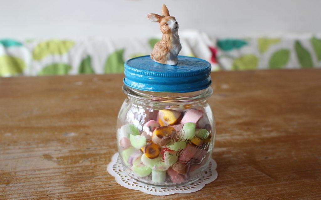 Aus alt mach neu: Schraubgläser upcyceln und Ostergeschenke selber machen