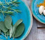 Diese 7 Heilpflanzen sind natürliche Antibiotika und Schmerzmittel