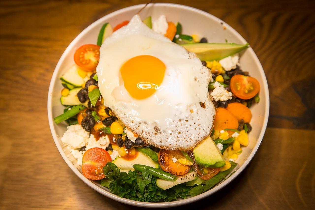 Viele frische Zutaten aus der Region und ein reduzierten Fleischkonsum sind das Rezept für CO2 reduzierte Ernährung