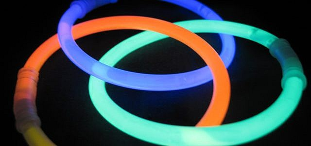 Leuchtringe Leuchtstäbe Knicklichter