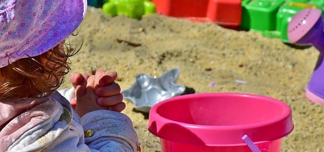 Plastik, Kind, Sand