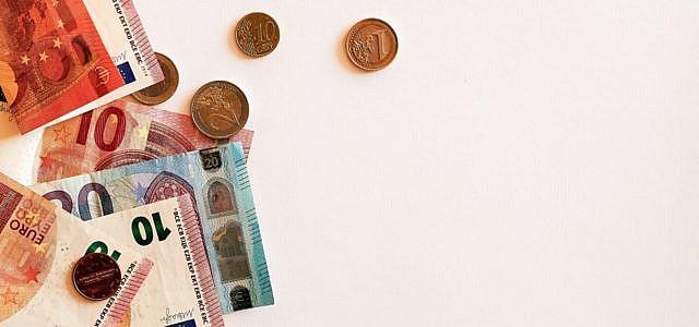 Wachstum durch Zerstörung? Bruttoinlandsprodukt (BIP), Geldscheine, Münzen