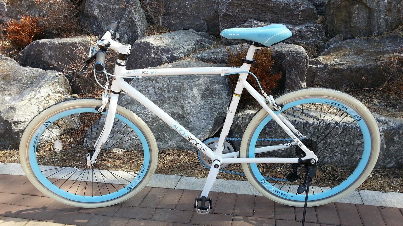 Ein hochwertiges Sportrad ist mit einer Fahrradversicherung gut abgesichert