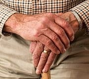 Der demographische Wandel stellt sowohl die junge als auch die ältere Generation vor schwierige Herausforderungen