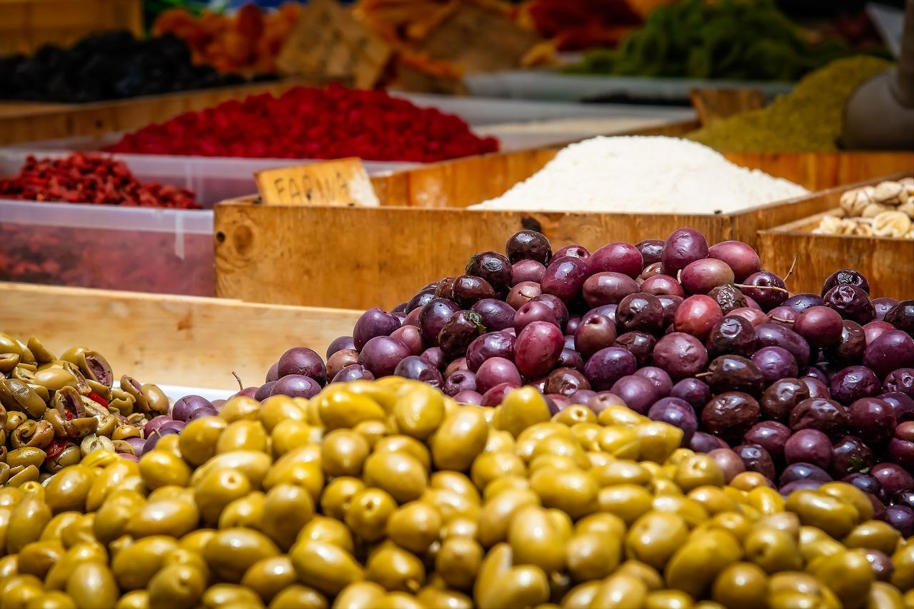 Die mediterranen Länder sind bekannt für ihre köstlichen Oliven.