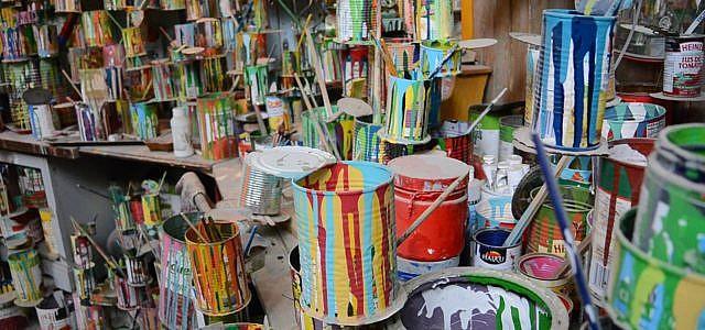 Farbeimer und Farbe entsorgen: So geht es umweltfreundlich