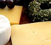 Tierisches Lab steckt in vielen Käsesorten