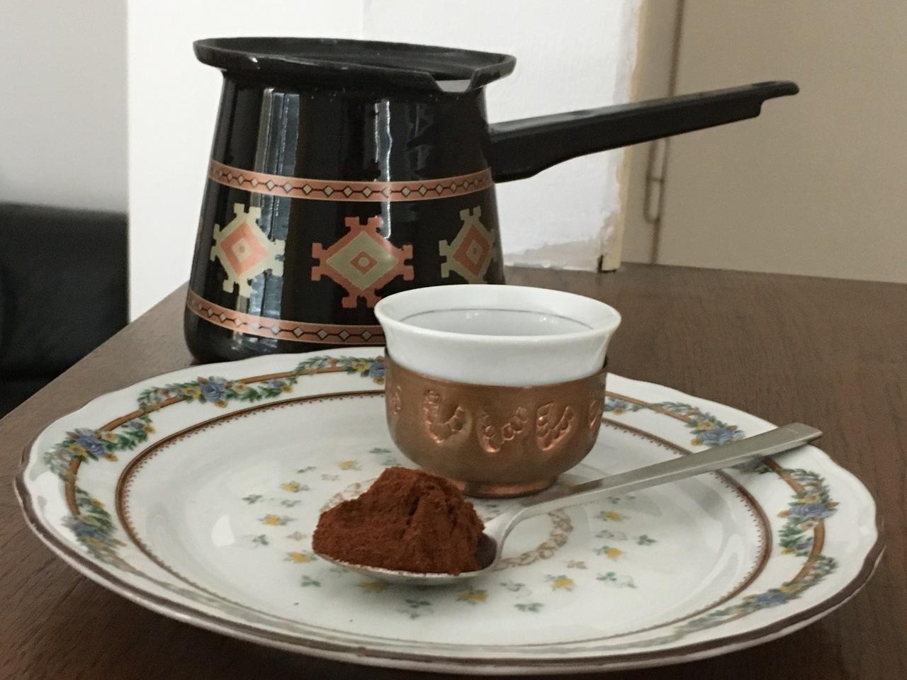 Extra feines Kaffeepulver für türkischen Kaffee.