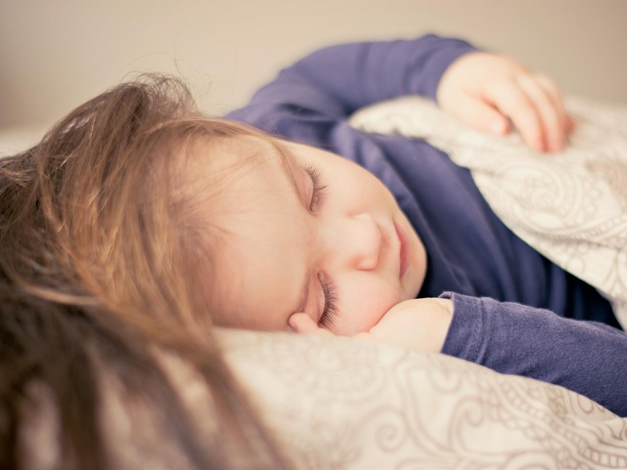 Dinkelkissen sind besonders schonend und deshalb auch für Kinder geeignet.