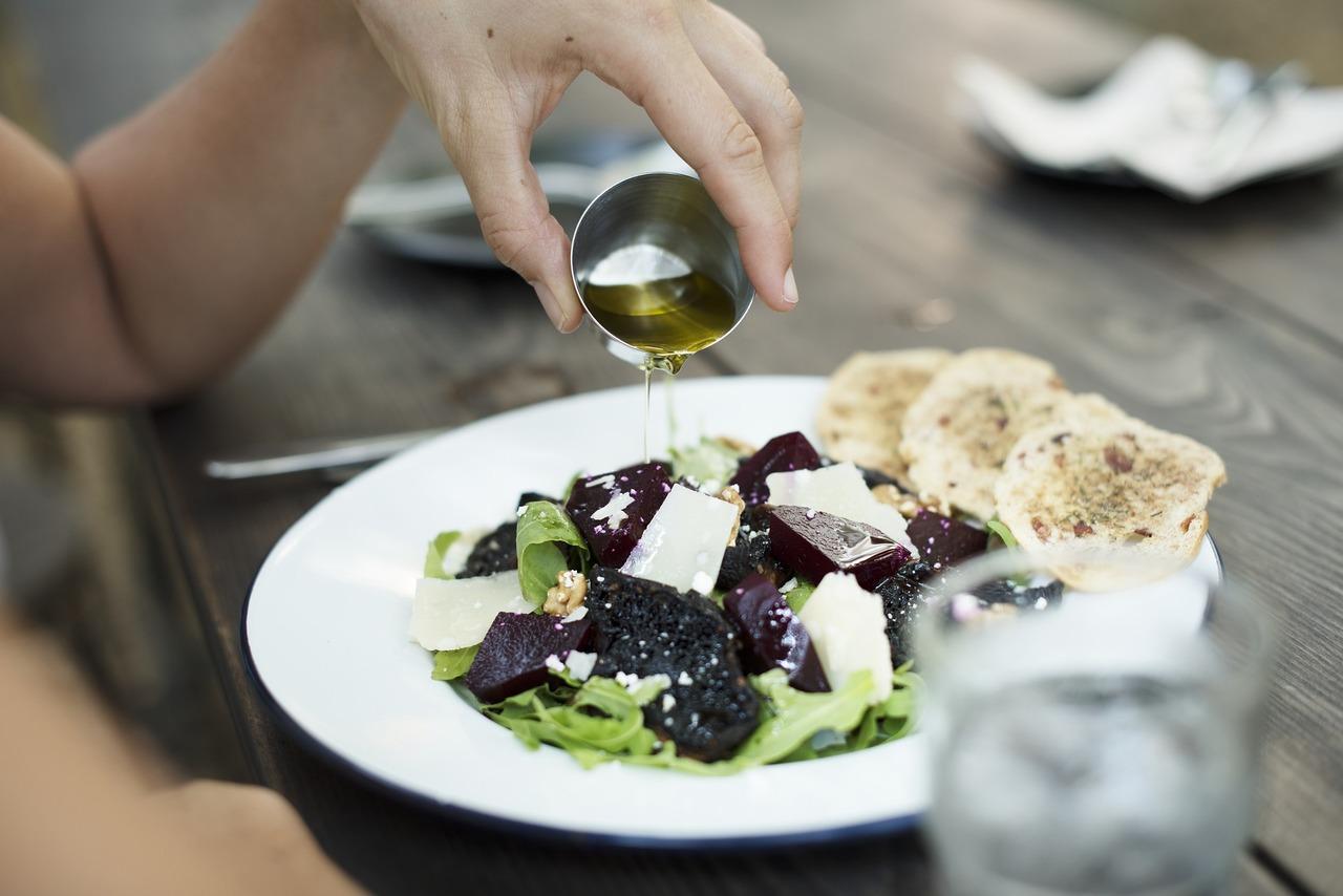 Distelöl eignet sich für Salate.