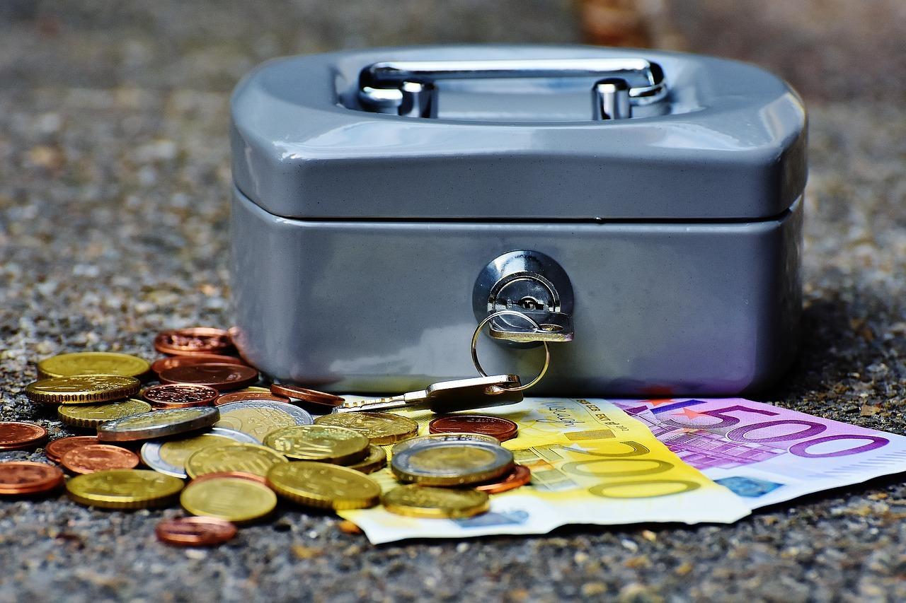 Es wird Zeit, umzudenken und sich beim Kauf Gedanken zu machen, welche Unternehmen man mit seinem Geld wirklich unterstützen möchte.