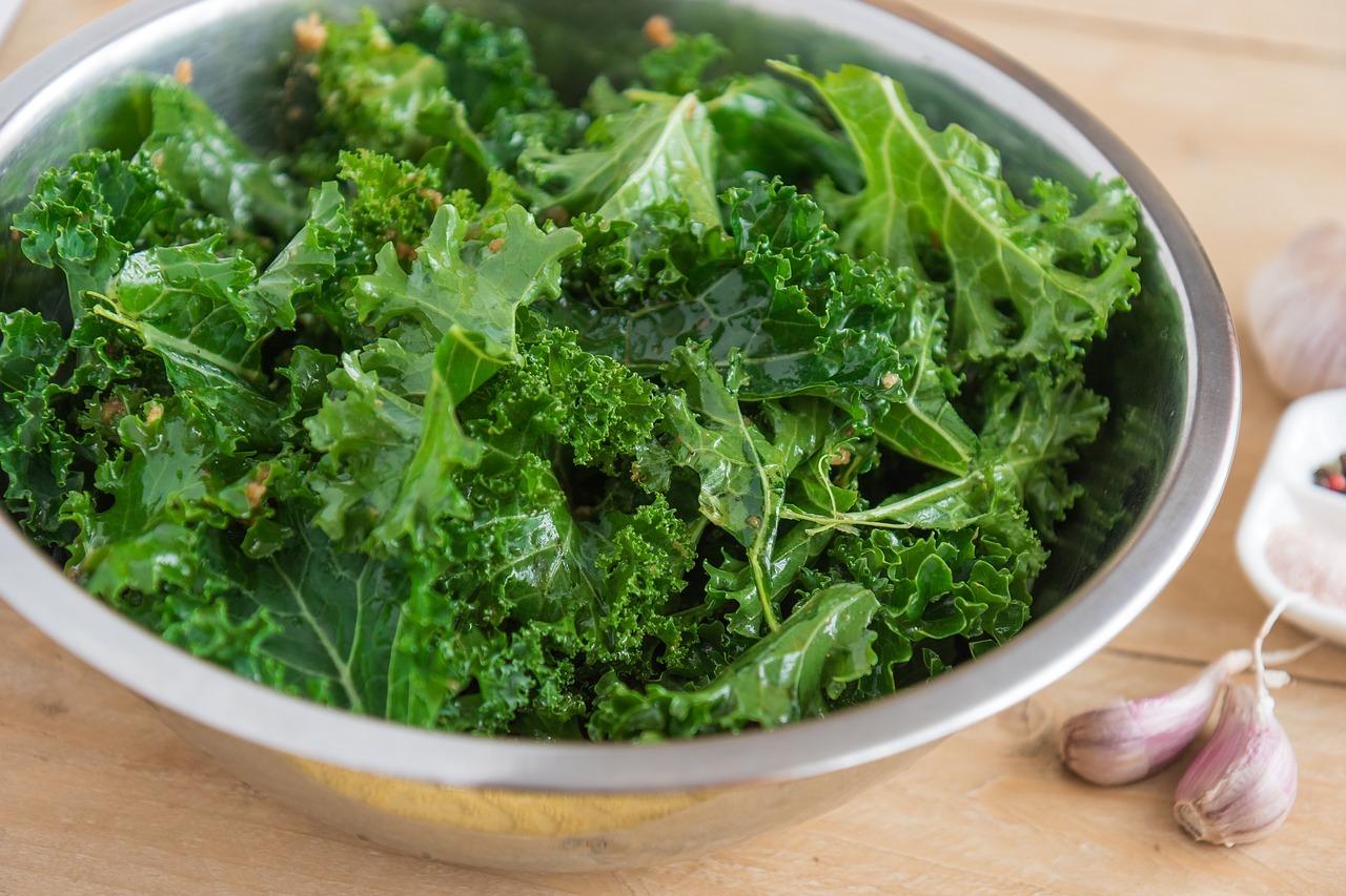 Wenn du Grünkohl roh zubereitest, enthält er besonders viele Vitamine.