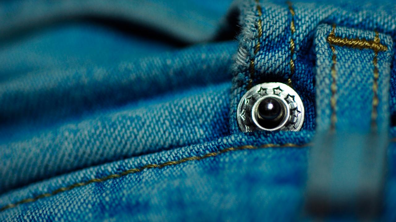 bio-jeans ohne gift & ausbeutung: diese 5 jeans-marken