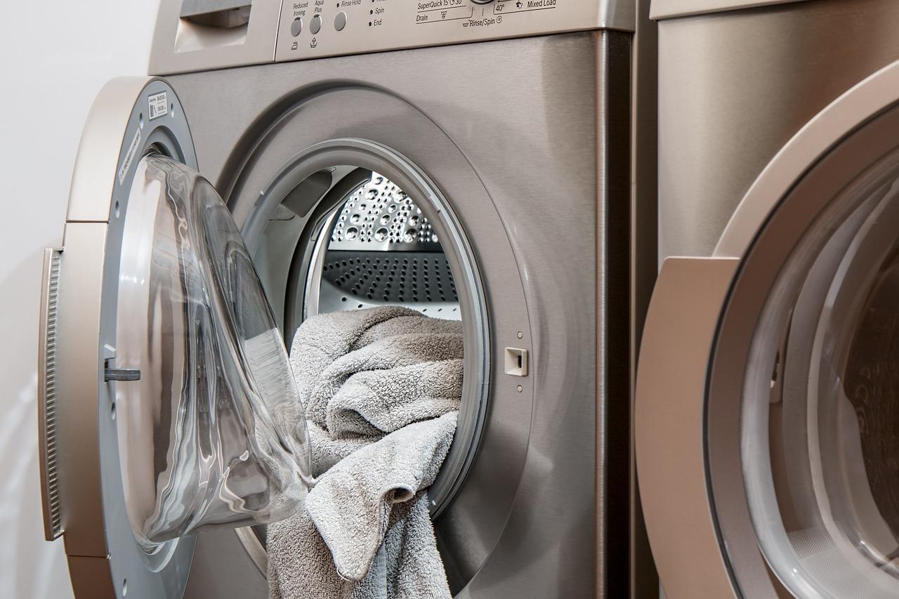 Für weiße Wäsche eignen sich Waschnüsse nicht so gut.