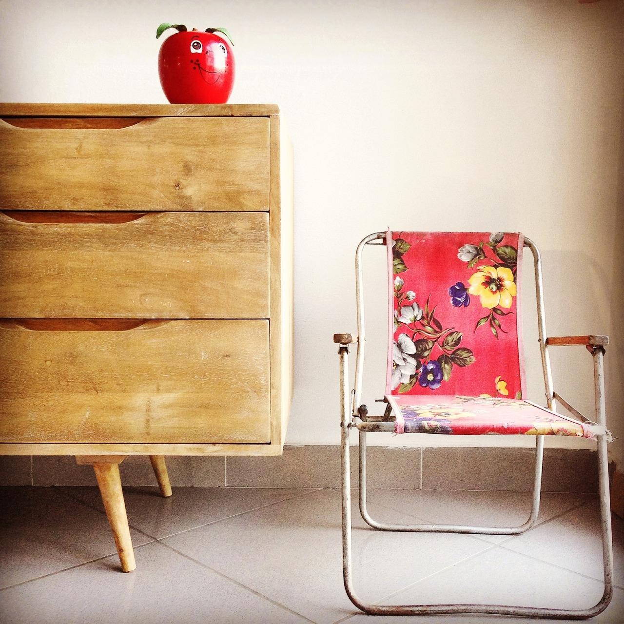 alte m bel kaufen so richtest du deine wohnung nachhaltig ein. Black Bedroom Furniture Sets. Home Design Ideas