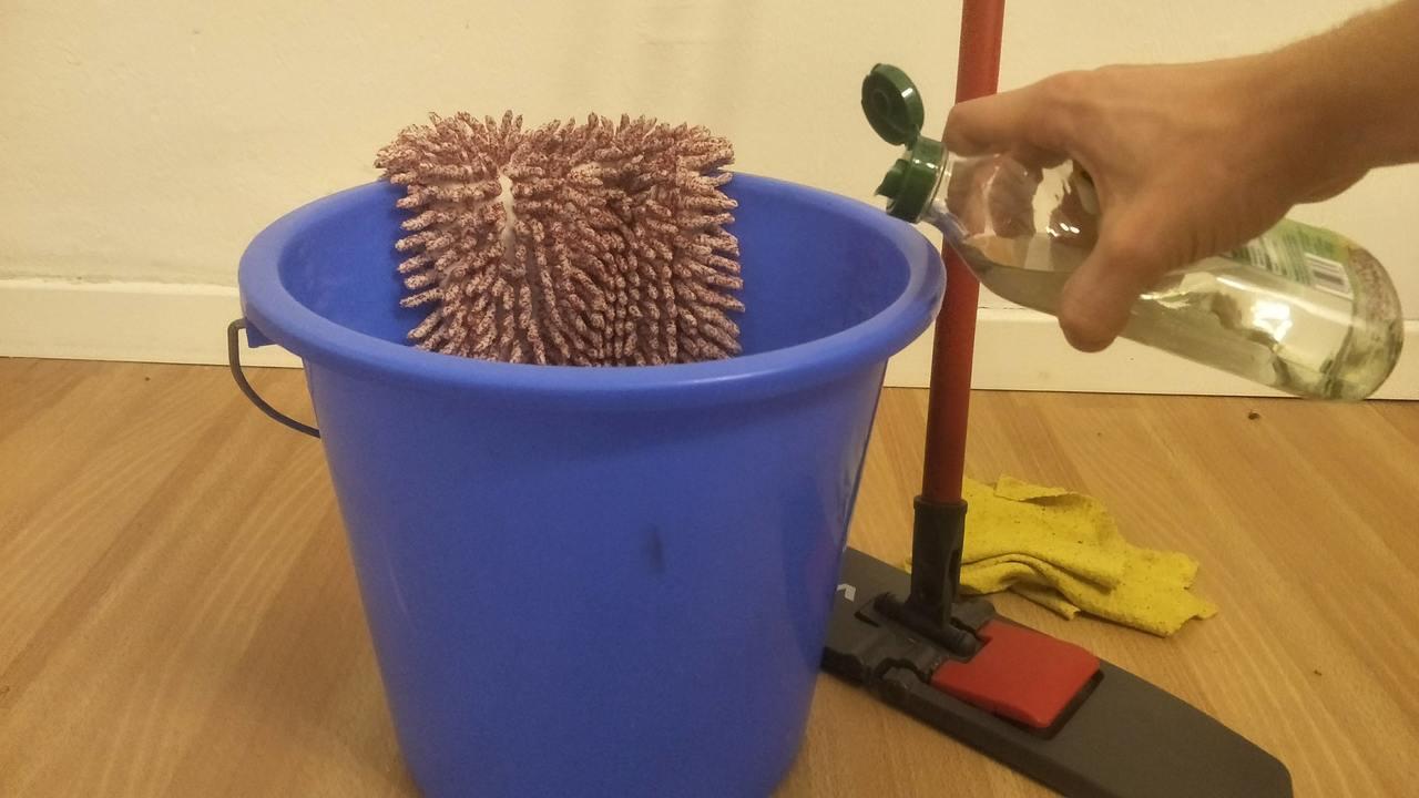 Fußboden Wischen Hausmittel ~ Laminat reinigen mit diesen hausmitteln wird der boden sauber