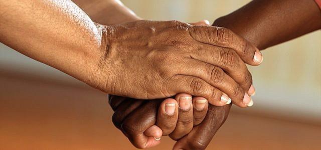 Mit der gewaltfreien Kommunikation lernen wir, einfühlsam und ehrlich zu kommunizieren
