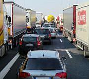 Verkehr, Stau, Autobahn, LKW