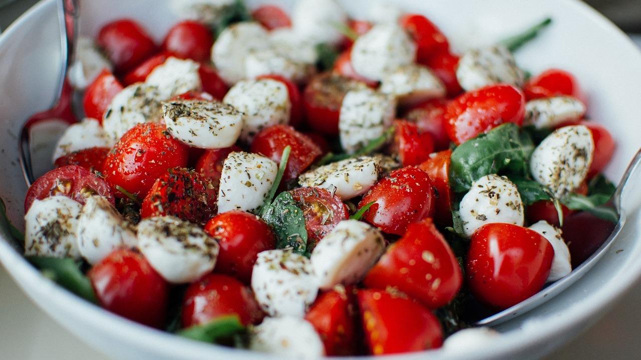 Tomate Mozzarella Salat Ein Rezept für den italienischen Salat