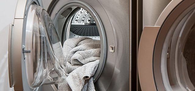 Weiße Wäsche waschen