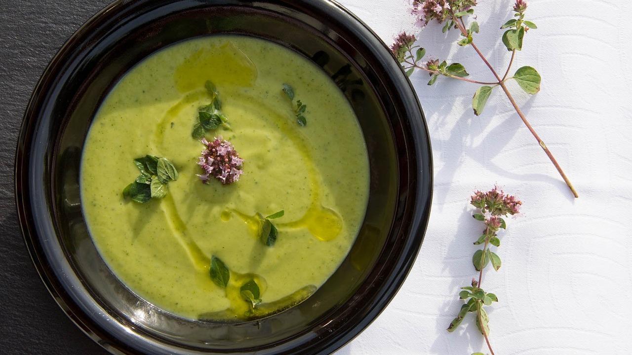 Brokkolisuppe: Leckeres Grundrezept zum Selbermachen