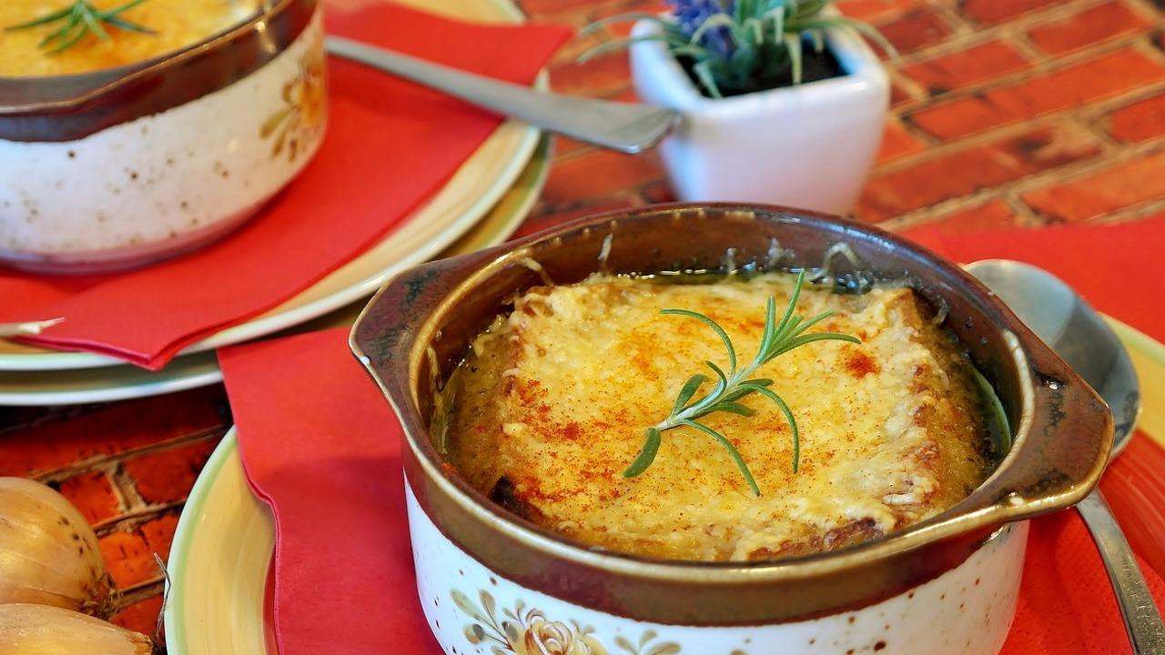 Französische Zwiebelsuppe: Grundrezept des Klassikers