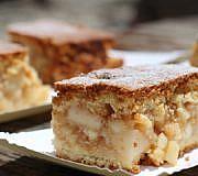 Gedeckter Apfelkuchen vom Blech