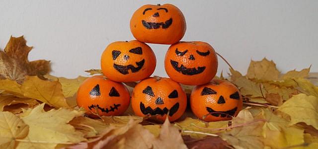 Grusel-Mandarinen: Nachhaltig Halloween feiern