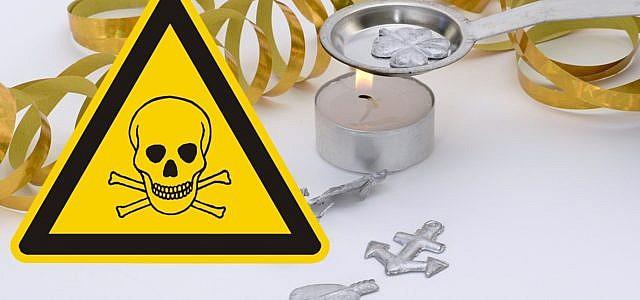 Beim Bleigießen entstehen giftige Dämpfe - eine Alternative ist Wachsgießen