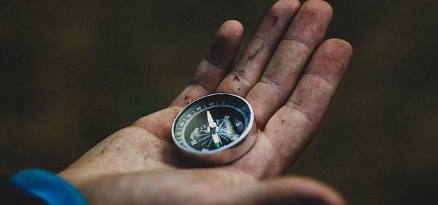 gluecklich sein planen kompass