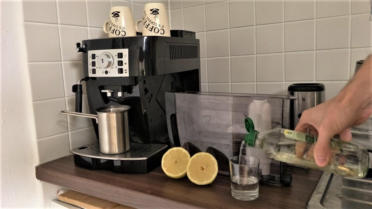 Kaffeemaschine Entkalken Diese Hausmittel Wirken Natürlich Utopia De