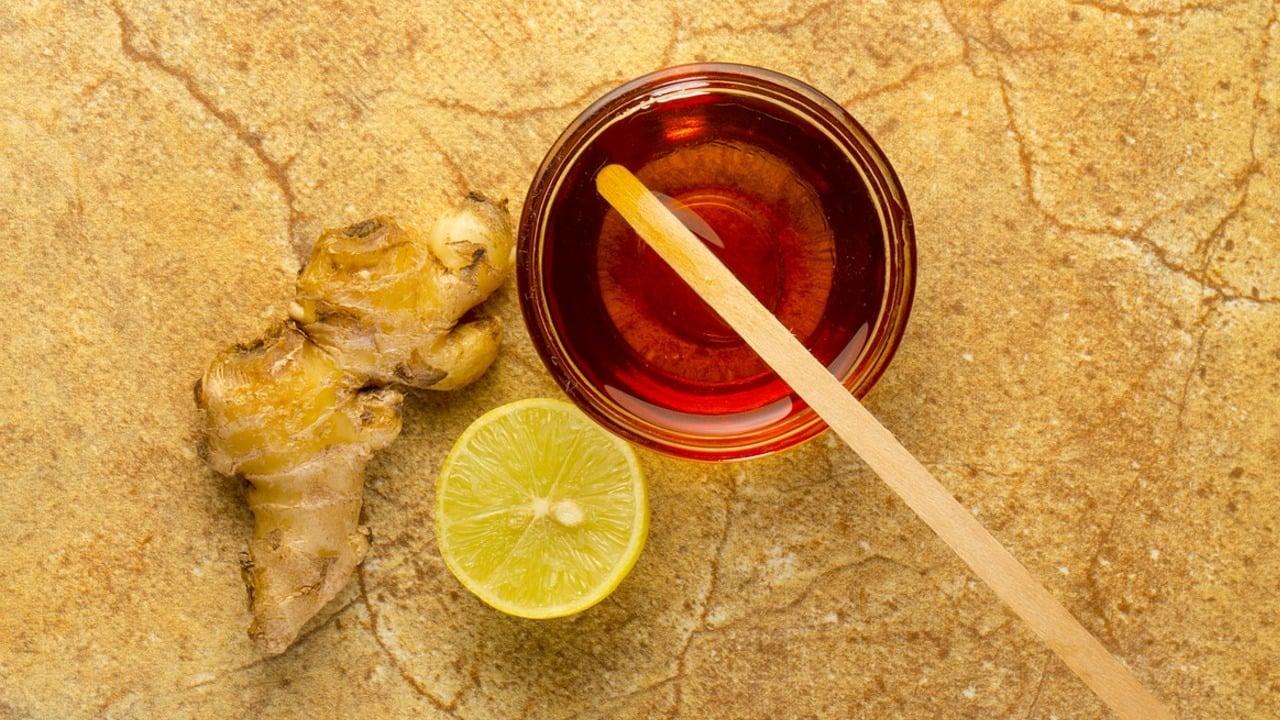 Warmes Wasser mit Zitrone und Olivenöl zum Abnehmen