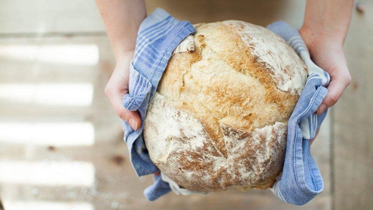 Jamie Oliver: Brot-Rezept mit nur drei Zutaten