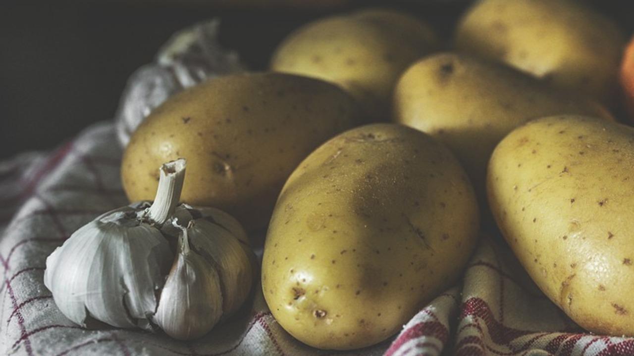 Knoblauch-Kartoffeln: Ein Rezept für die herzhafte Beilage