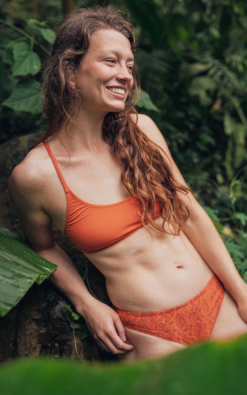 Ab bikini 50 frauen für Exklusive Bikinis