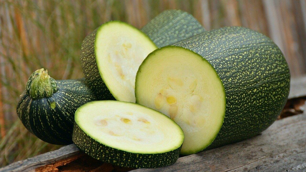 Zucchini-Bratlinge: Einfaches Rezept für Pfanne und Grill