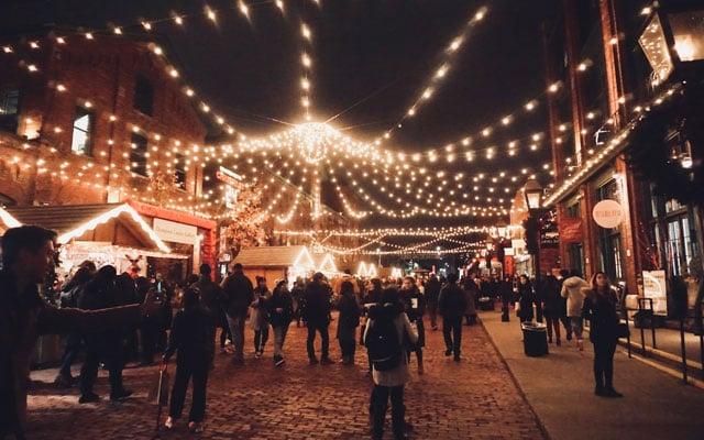TREEDAY Weihnachtsmarkt Weihnachten nachhaltig Wochenende Wien gewinnen